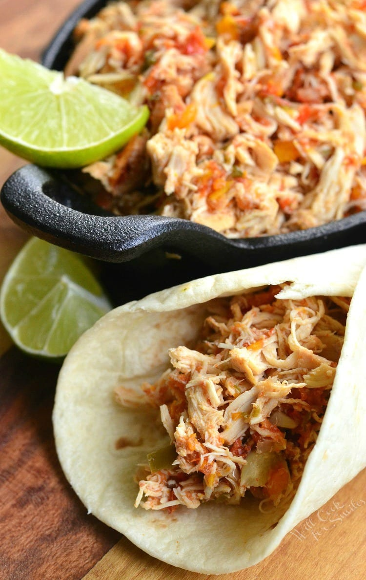 Crock Pot Shredded Salsa Chicken | from willcookforsmiles.com