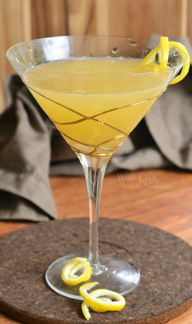 Pineapple Lemon Martini. BEAUTIFUL balance of sweet and sour flavors in a PERFECT summer cocktail.