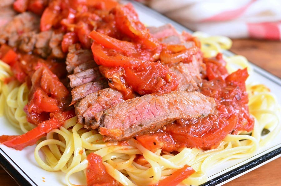 Steak Pizzaiola Linguine | from willcookforsmiles.com