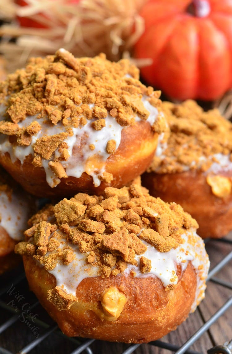 Pumpkin Cheesecake Doughnuts with Gingersnap Crumb 4