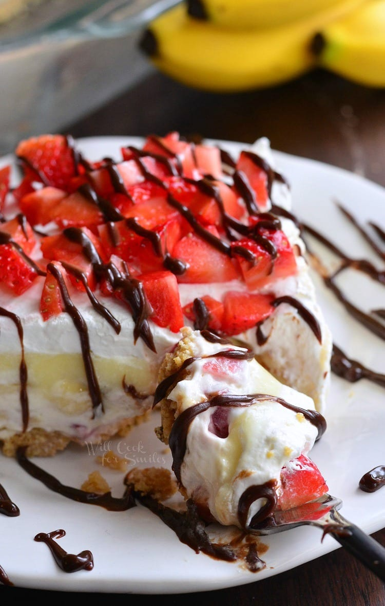 {No Bake} Banana Split Layered Cheesecake Dessert. | from willcookforsmiles.com