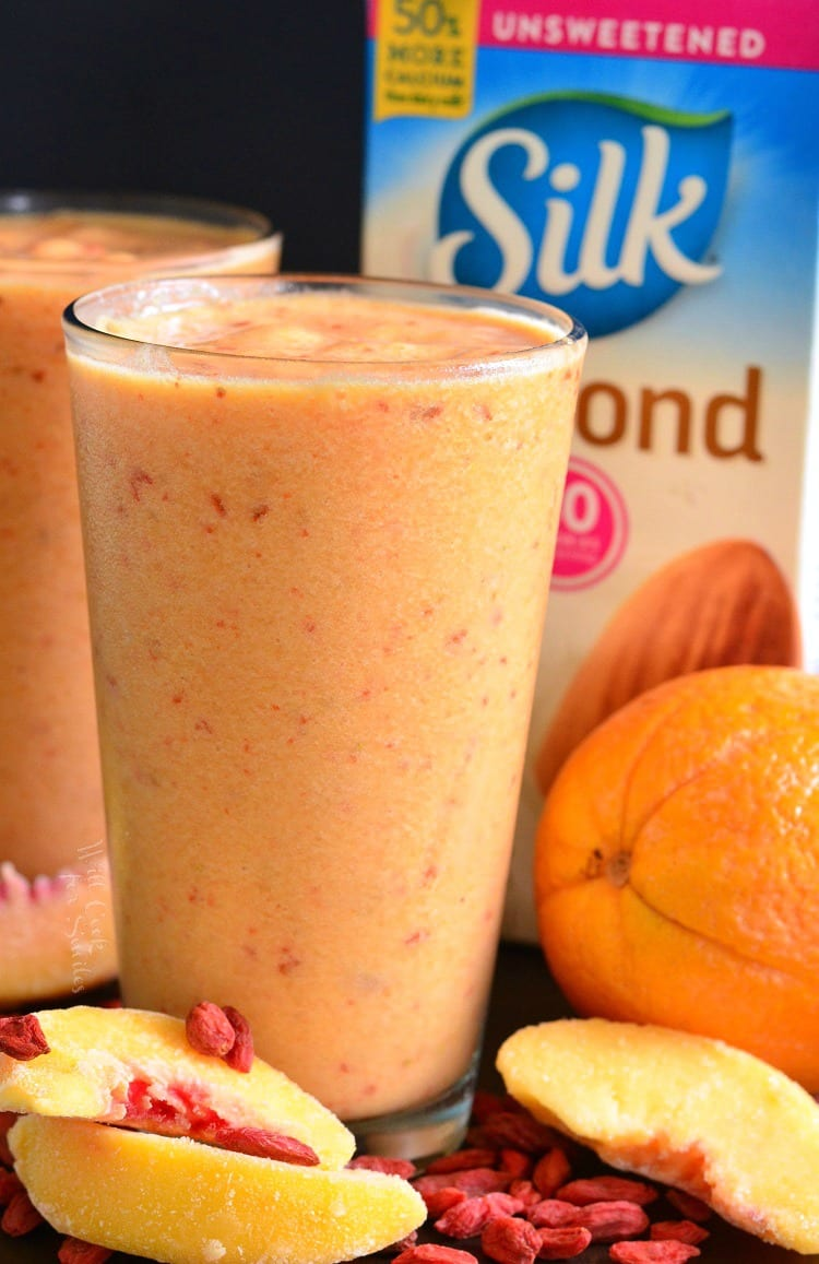 Creamy Peach and Goji Berry Smoothie. from willcookforsmiles.com