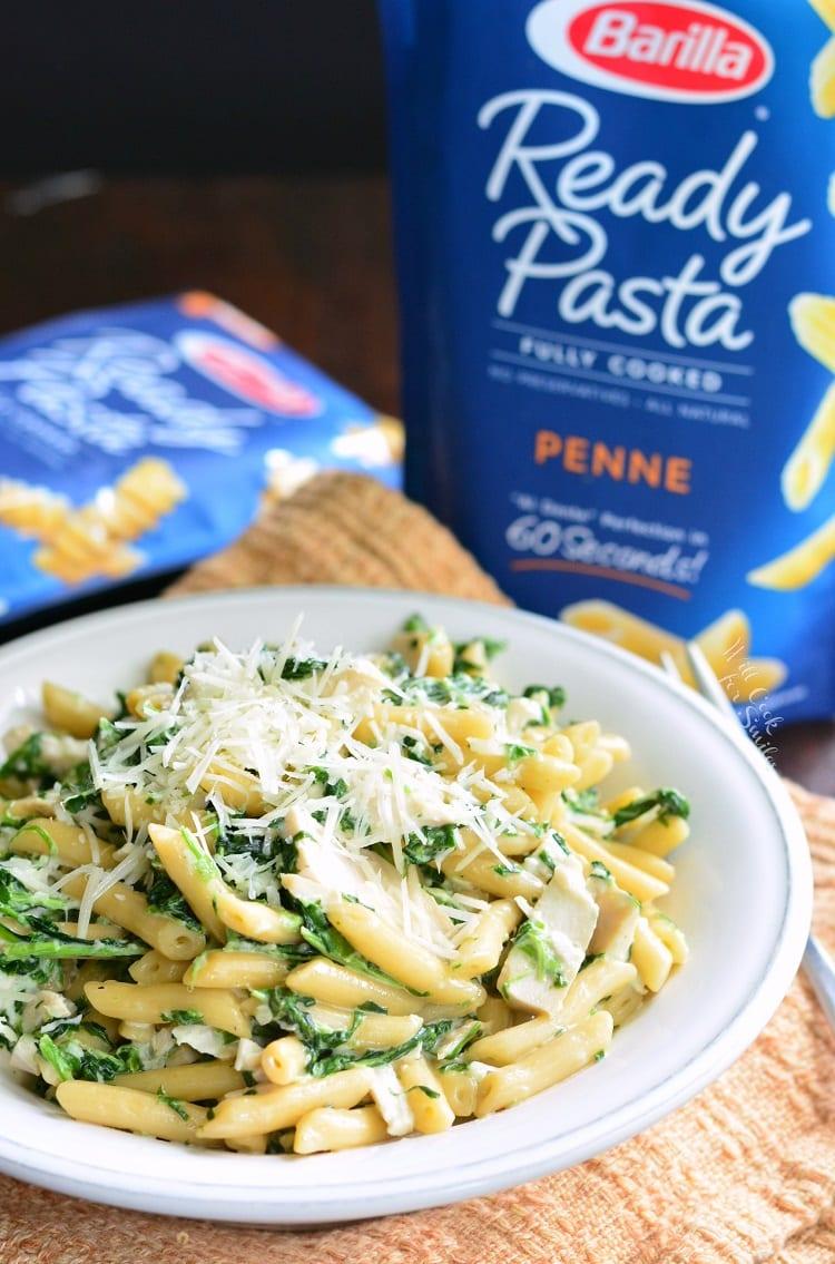 Garlic and Spinach Alfredo Chicken Pasta