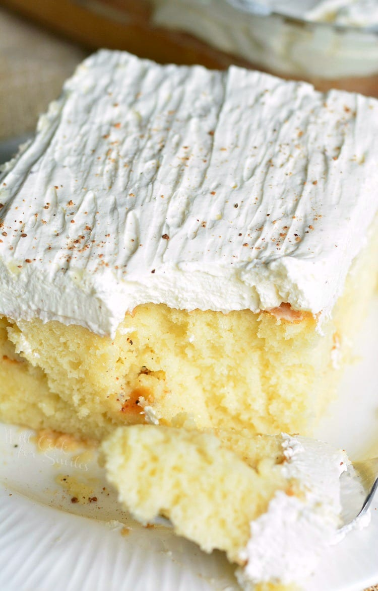 Eggnog Poke Cake! PERFECT easy cake for the season. #pokecake #eggnog