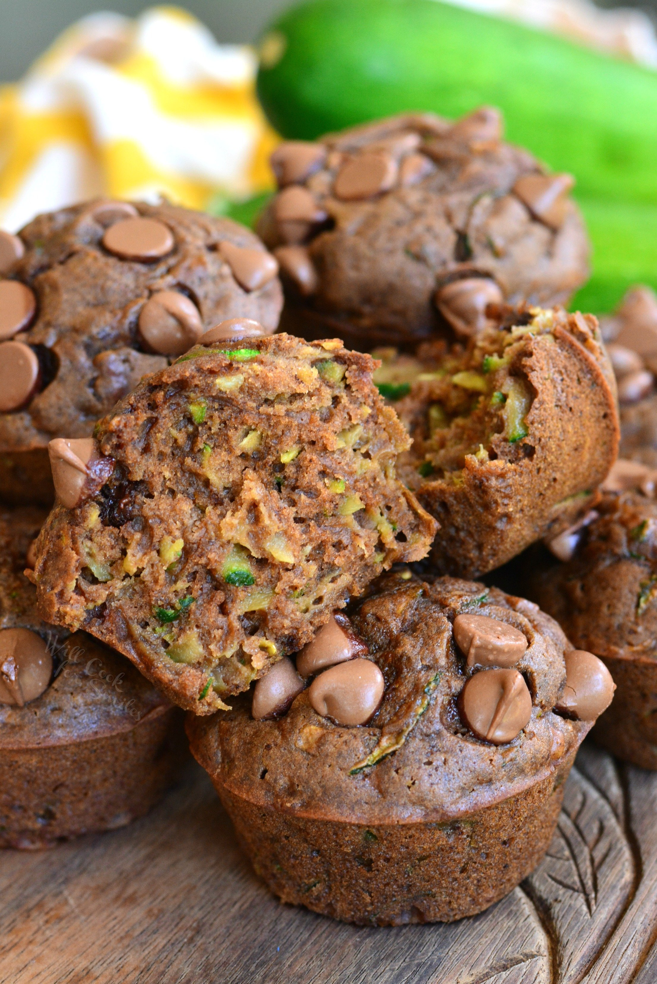 Easy Dark Chocolate Zucchini Muffins make a perfect breakfast, snack, and brunch! It only takes 5 minutes to prep and 20 minutes to bake these rich and moist chocolate zucchini muffins. #zucchini #muffins #chocolate #breakfast #snack #brunch