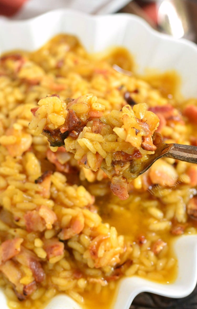 Bacon Onion and Pumpkin Risotto Recipe. Rich, creamy Italian rice dish made with flavors of bacon, shallots, and pumpkin. This amazing rice dish might be a little time consuming but is it absolutely worth it. You will be enjoying this wonderful, hearty Bacon, Onion and Pumpkin Risotto within an hour. #risotto #rice #pumpkin #bacon #pumpkindinner #pumpkinrisotto