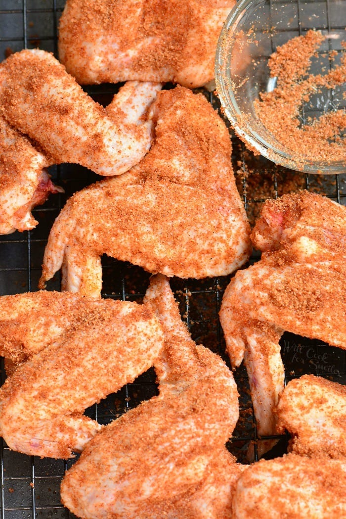 Amazing Dry Rub Baked Chicken Wings. These chicken wings make the best appetizer for football parties or just because you feel like it. It takes only about 5 minutes to prepare and about 45 minutes to bake. #appetizer #chicken #wing #chickenwings #dryrub #snack