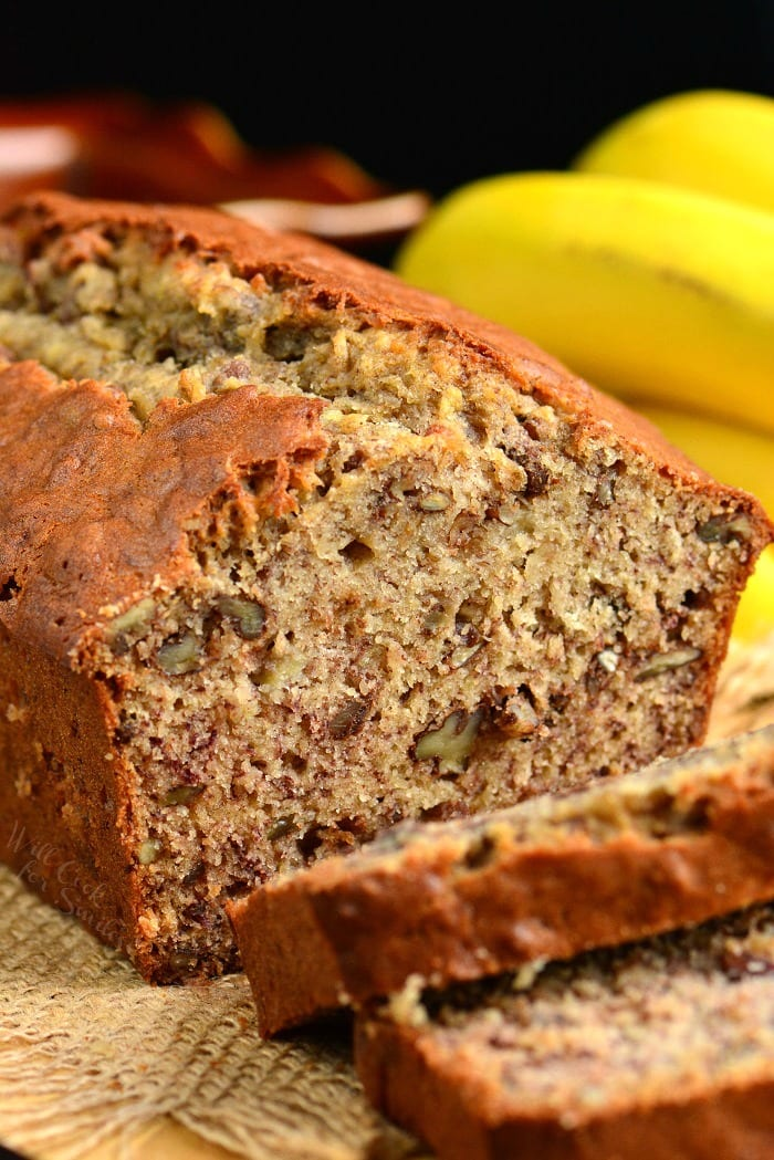Banana Bread recipe that takes only a few minutes to prepare and tastes amazing every time. #bread #banana #sweetbread #quickbread #bananabread