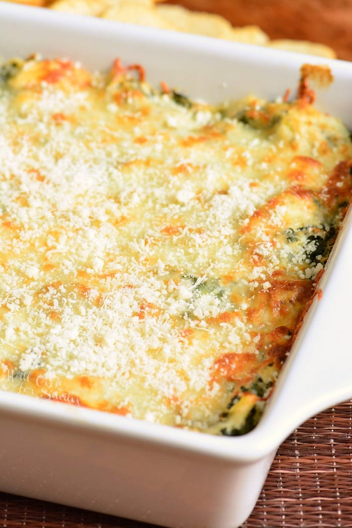 Spinach Artichoke Dip recipe. Creamy, cheesy dip made with spinach, artichoke hearts, cream cheese, Mozzarella cheese, Parmesan cheese, and a few other flavorful ingredients. #dip #appetizer #cheesedip #spinachdip #spinachartichoke