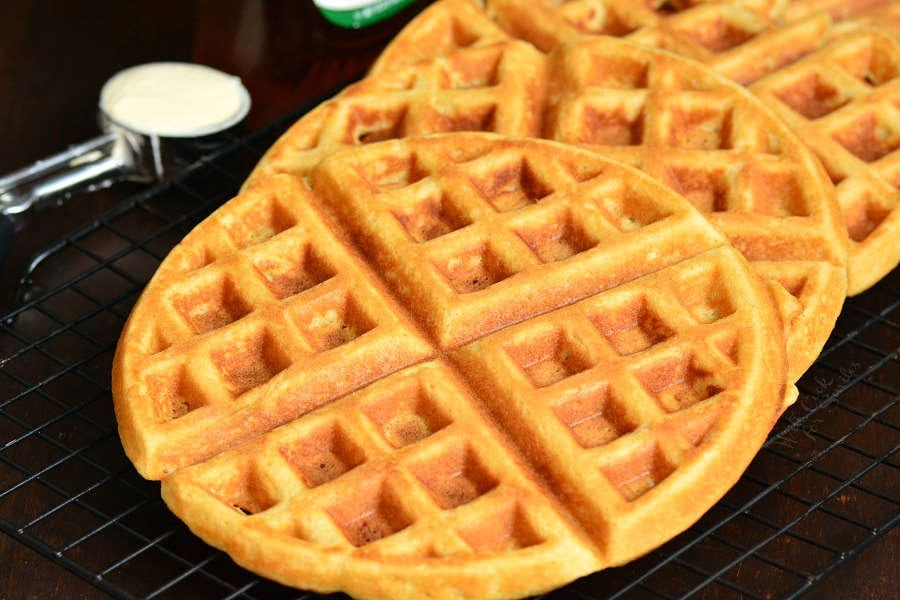 Waffles Recipe. These waffles are soft and fluffy on the inside and crunchy on the outside. A perfect way to start the day. #waffles #breakfast