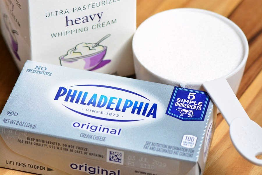 3 ingredients for whipped cream cheese frosting heavy cram, cream cheese, sugar