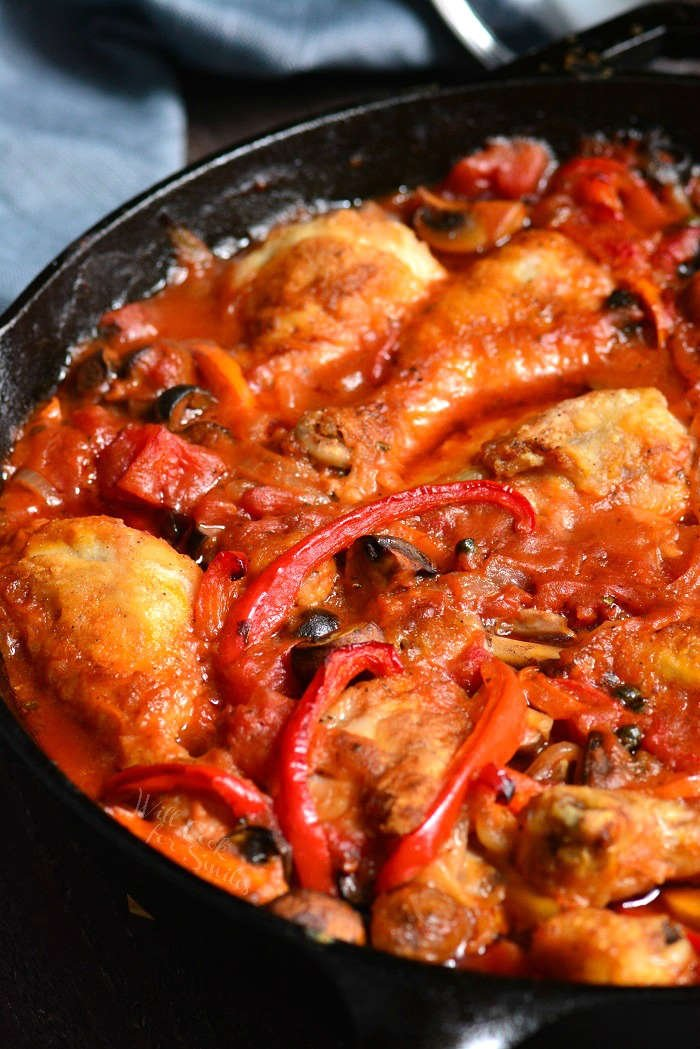 Chicken Cacciatore recipe in a pan