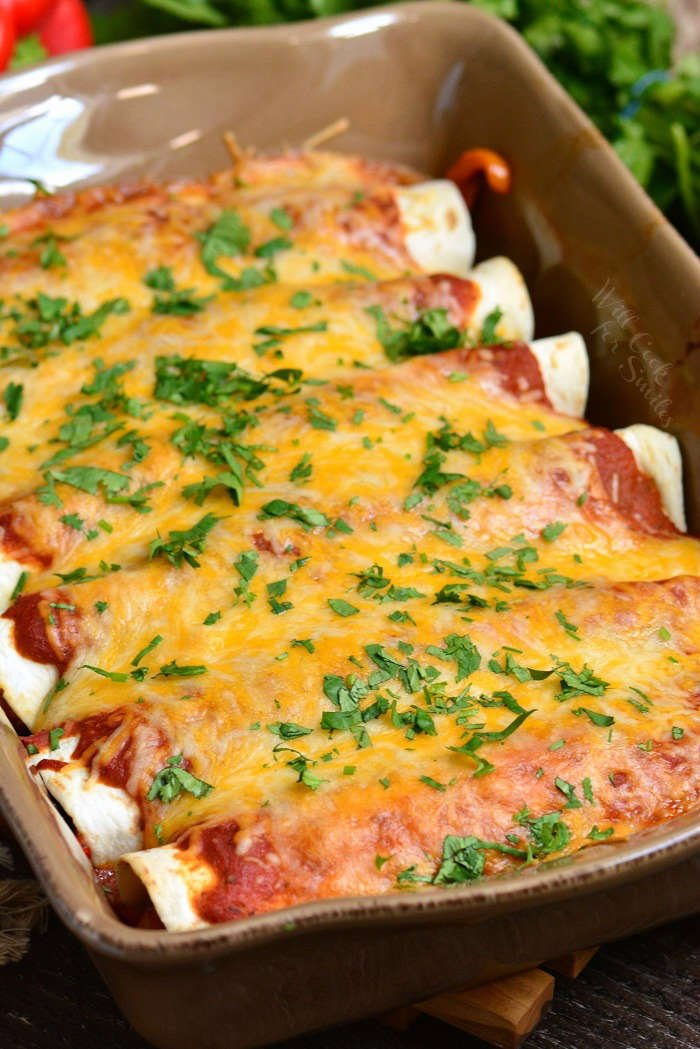 Beef Enchiladas. These enchiladas are made with ground beef and vegetable mixture rolled in flour tortillas and baked with homemade enchilada sauce and lots of cheese. #beef #enchiladas #groundbeef