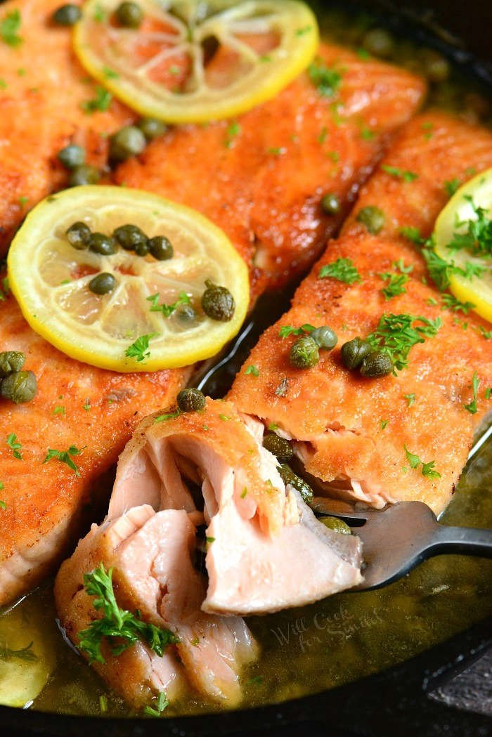 salmon piccata with lemon and capers