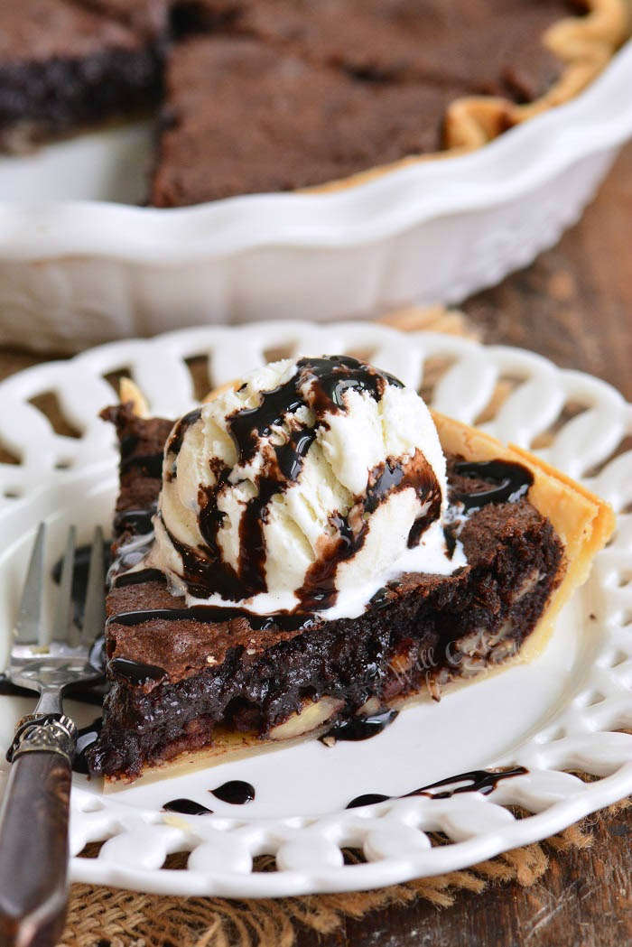 brownie pie slice with ice cream