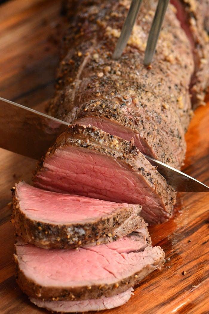 slicing beef tenderloin