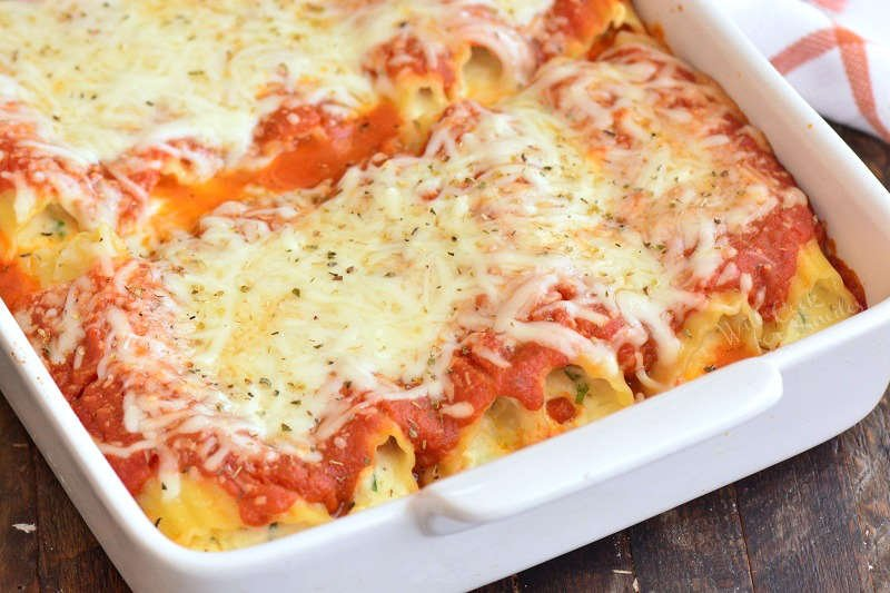baked manicotti in a pan