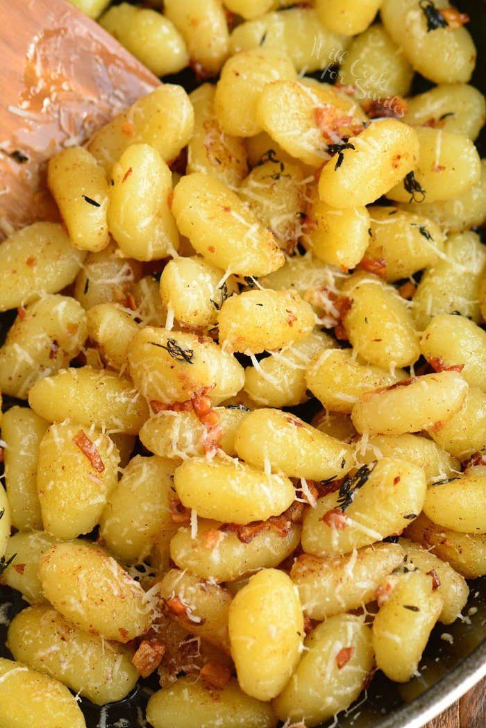 close up view of cooked gnocchi in the pan
