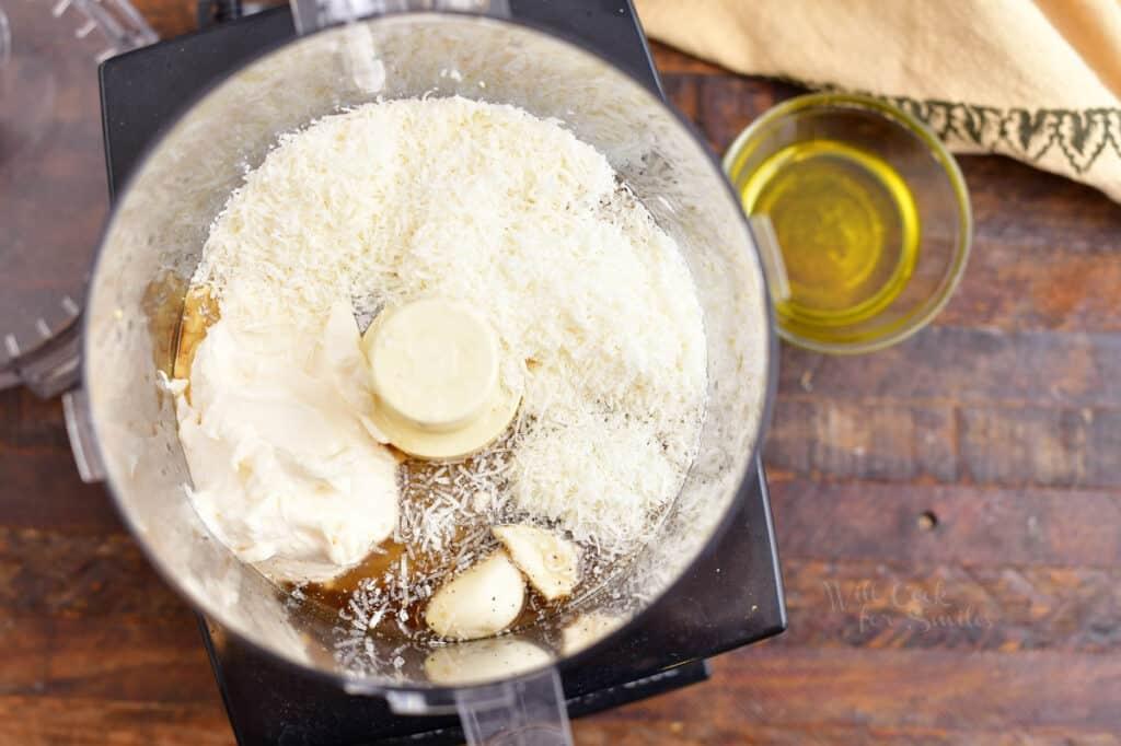 making caesar salad dressing in food processor