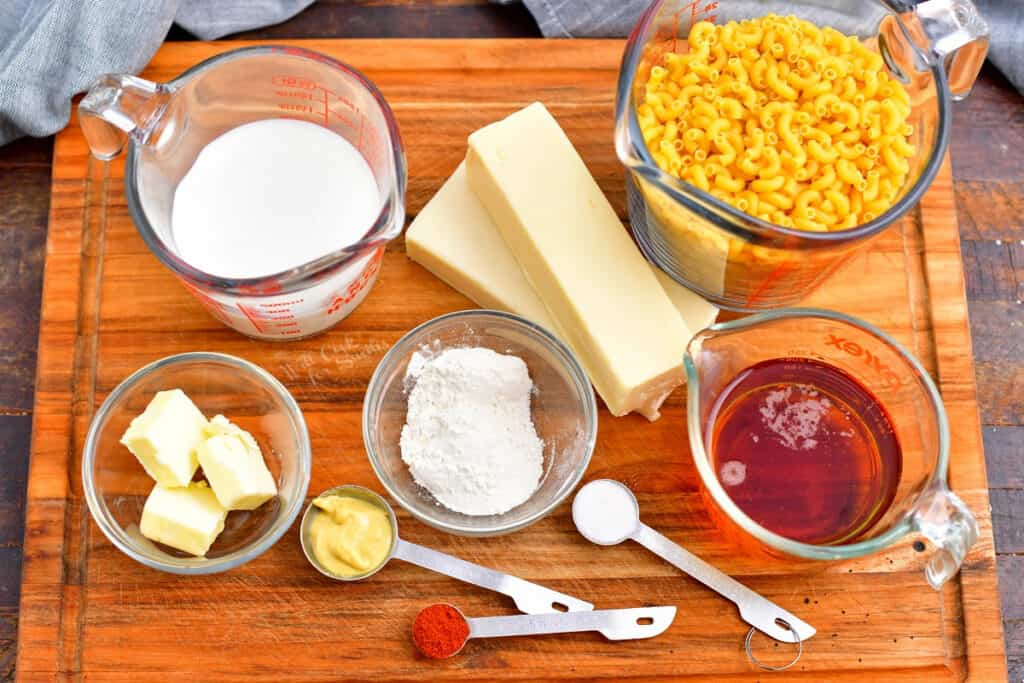 ingredients to make macaroni and cheese with beer cheese sauce