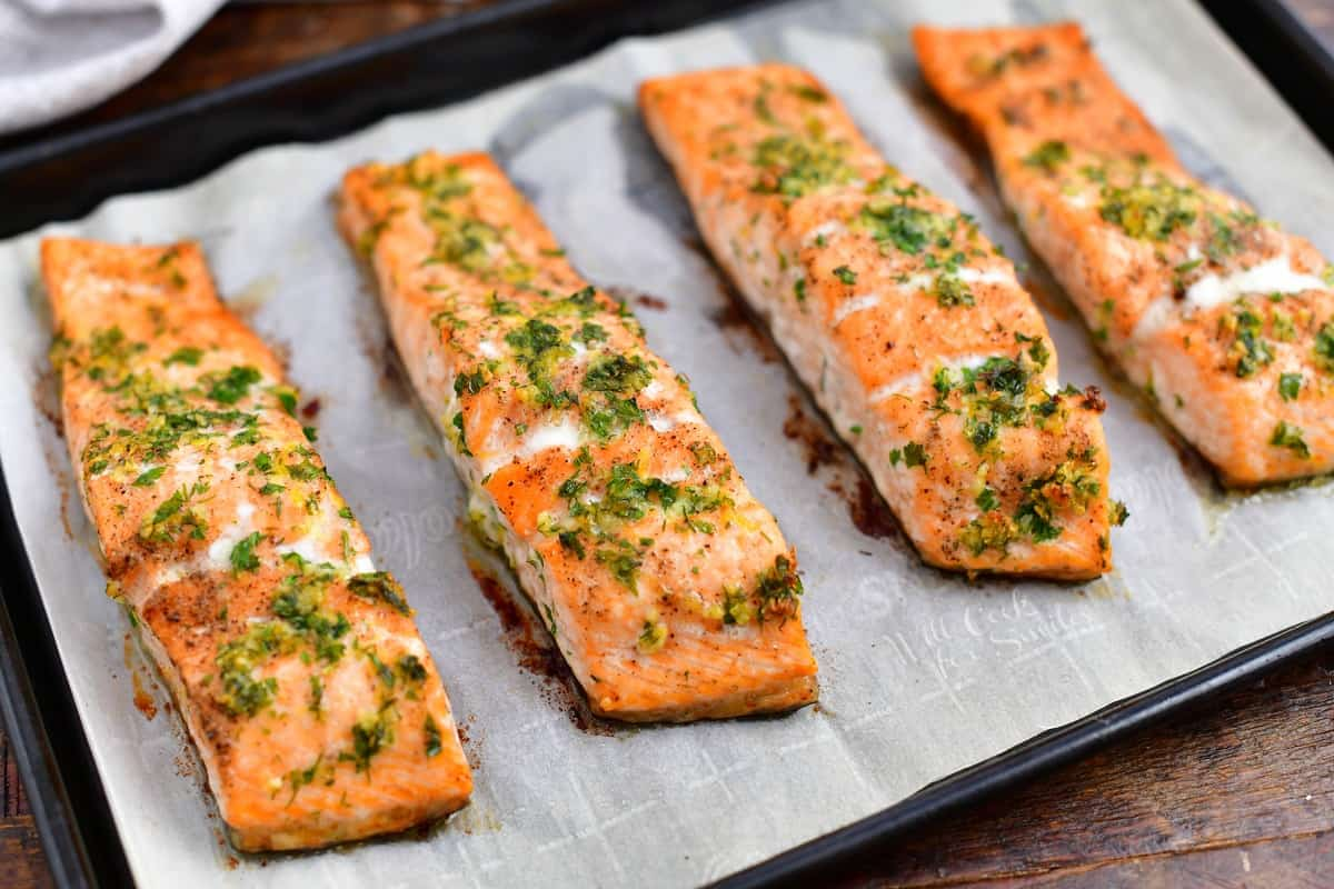 oven baked salmon fillets with fresh parsley and dill