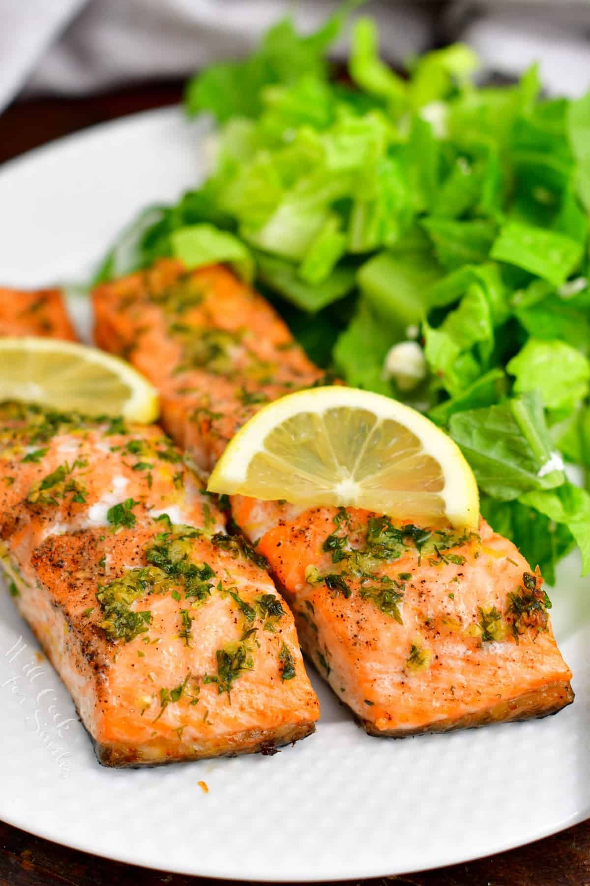 closeup: healthy salmon recipe, plated