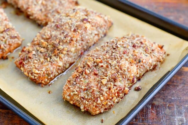 baked crusted salmon on the baking sheet